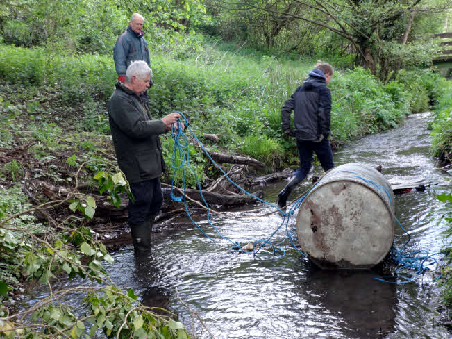 Storrington Conservation Society Cleaning Stream